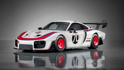 2019 Porsche 935 6
