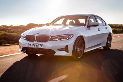 2019 BMW 330e ( G20 ) 13