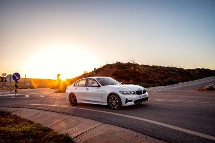 2019 BMW 330e ( G20 ) 16