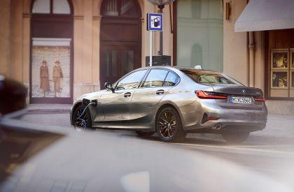 2019 BMW 330e ( G20 ) 21