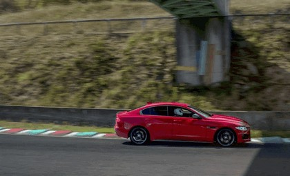 2018 Jaguar XE 300 Sport - lap record at Circuit de Charade 7