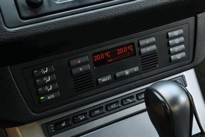 2001 BMW X5 ( E53 ) 4.8is - USA version 21
