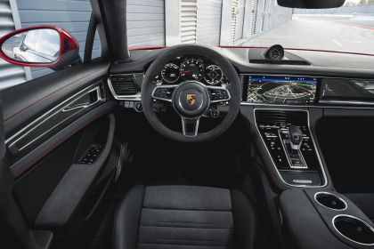 2018 Porsche Panamera GTS 16