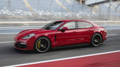 2018 Porsche Panamera GTS 6