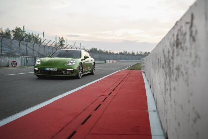 2018 Porsche Panamera GTS Sport Turismo 1