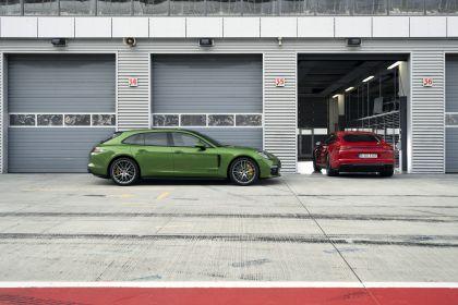 2018 Porsche Panamera GTS Sport Turismo 10