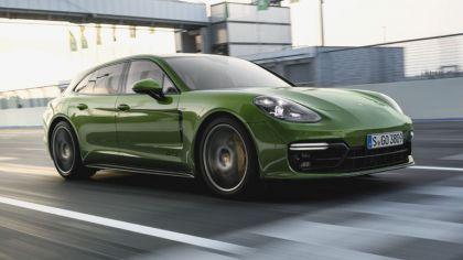 2018 Porsche Panamera GTS Sport Turismo 8