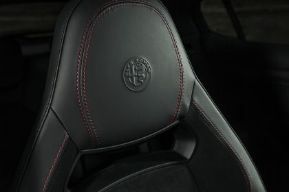 2018 Alfa Romeo Stelvio Quadrifoglio - UK version 99