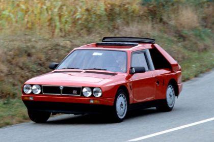 1985 Lancia Delta S4 stradale 4