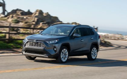 2019 Toyota RAV4 Limited FWD - Magnetic gray 7