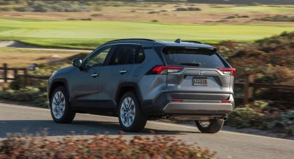 2019 Toyota RAV4 Limited FWD - Magnetic gray 9