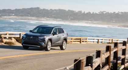 2019 Toyota RAV4 Limited FWD - Magnetic gray 11