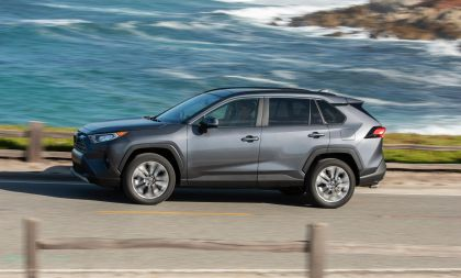2019 Toyota RAV4 Limited FWD - Magnetic gray 16