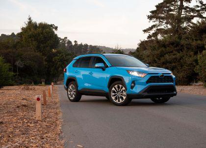 2019 Toyota RAV4 XLE AWD Premium - Blue flame 1