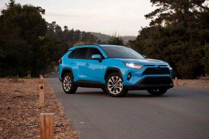 2019 Toyota RAV4 XLE AWD Premium - Blue flame 2