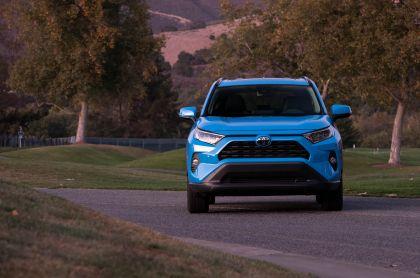 2019 Toyota RAV4 XLE AWD Premium - Blue flame 5
