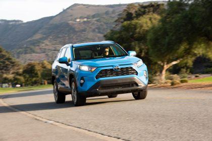 2019 Toyota RAV4 XLE AWD Premium - Blue flame 10