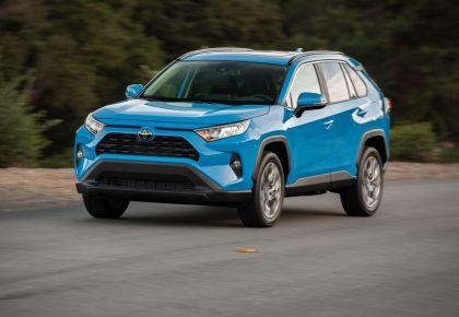 2019 Toyota RAV4 XLE AWD Premium - Blue flame 18