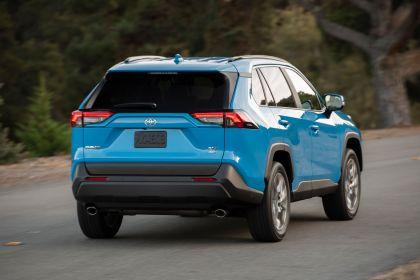 2019 Toyota RAV4 XLE AWD Premium - Blue flame 19