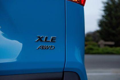 2019 Toyota RAV4 XLE AWD Premium - Blue flame 25