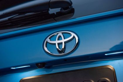 2019 Toyota RAV4 XLE AWD Premium - Blue flame 26