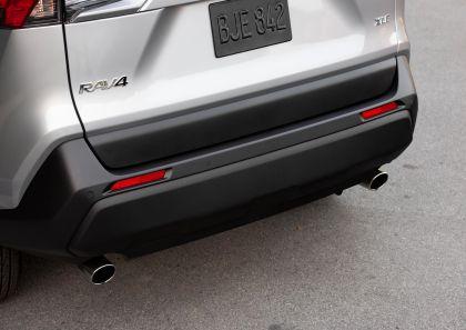 2019 Toyota RAV4 XLE FWD - Silver sky metallic 26