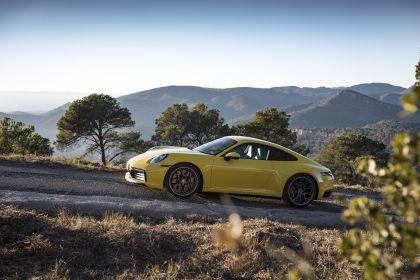 2019 Porsche 911 ( 992 ) Carrera 4S 241