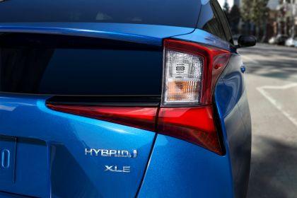 2019 Toyota Prius XLE AWD-e 5