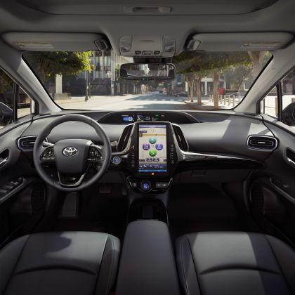 2019 Toyota Prius XLE AWD-e 9