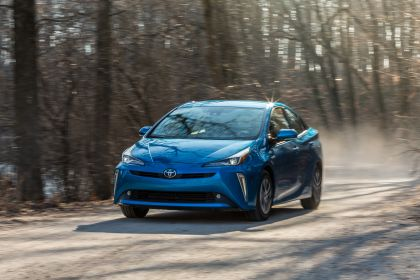 2019 Toyota Prius XLE AWD-e 10