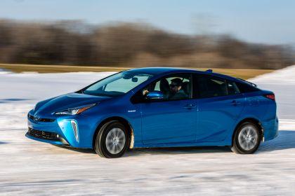 2019 Toyota Prius XLE AWD-e 11