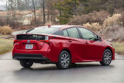 2019 Toyota Prius XLE AWD-e 36
