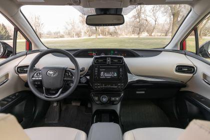 2019 Toyota Prius XLE AWD-e 44