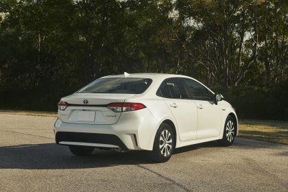 2020 Toyota Corolla Hybrid 8