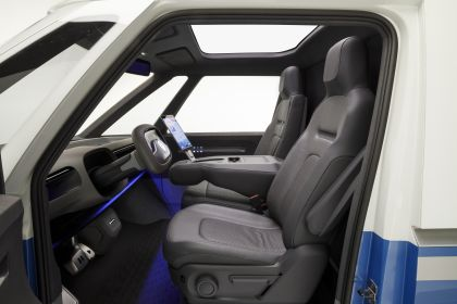 2019 Volkswagen I.D. Buzz Cargo concept 12