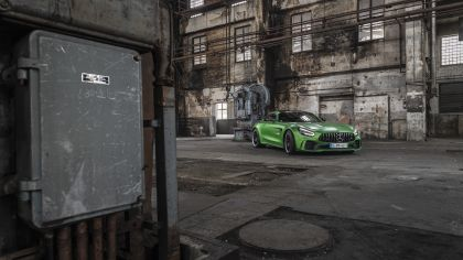 2018 Mercedes-AMG GT R 19