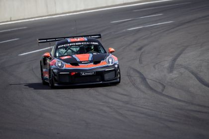 2019 Porsche 911 ( 991 type II ) GT2 RS Clubsport 51