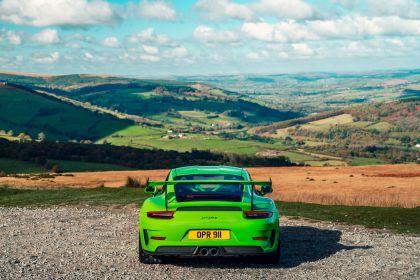 2018 Porsche 911 ( 991 type II ) GT3 RS - UK version 13