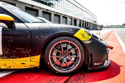 2019 Porsche 718 Cayman GT4 Clubsport 25