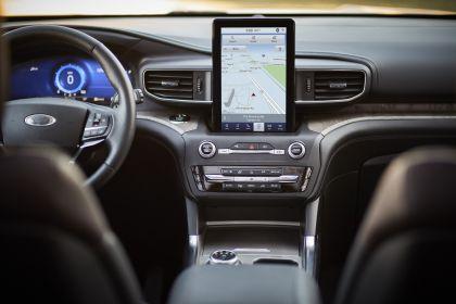 2020 Ford Explorer Platinum 11