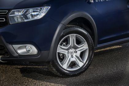 2019 Dacia Sandero Stepway Essential SCe 75 - UK version 4