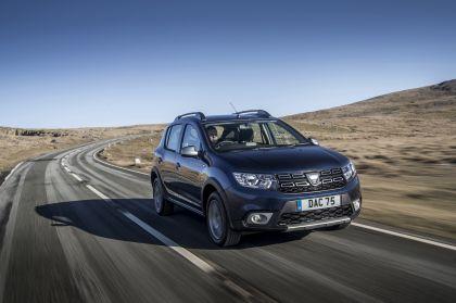 2019 Dacia Sandero Stepway Essential SCe 75 - UK version 5
