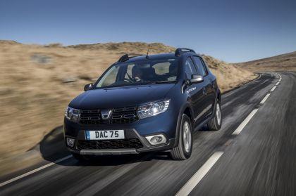 2019 Dacia Sandero Stepway Essential SCe 75 - UK version 6