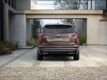 2020 Cadillac XT6 Premium Luxury 4