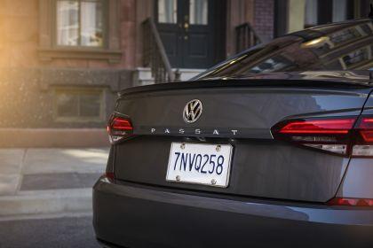2020 Volkswagen Passat - USA version 18