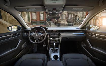 2020 Volkswagen Passat - USA version 20