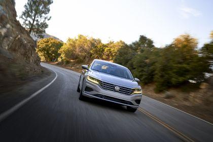 2020 Volkswagen Passat - USA version 43