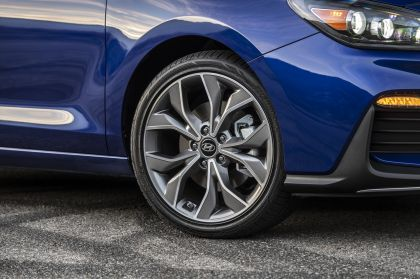 2019 Hyundai Elantra GT N-line 11