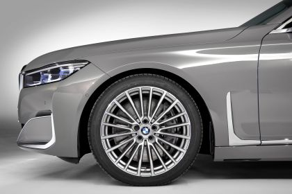 2020 BMW 750Li 11