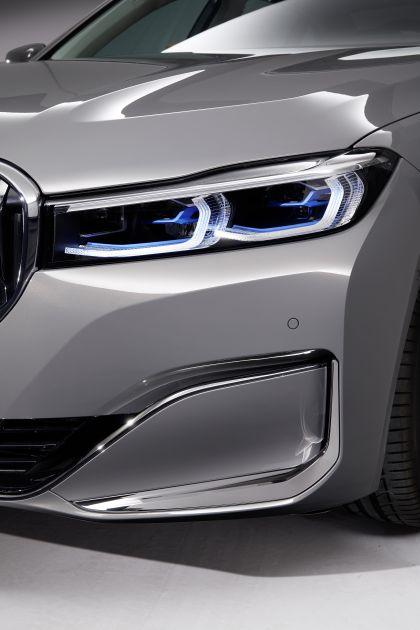 2020 BMW 750Li 13